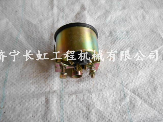 2112R24-1012S2 发动机压力表